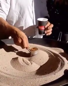 What is this Magical Coffee Sorcery? What is going on here? Coffee Latte Art, Coffee Menu, Coffee Type, Coffee Is Life, Best Coffee, Coffee Break, Coffee Drinks, Coffee Shop, Coffee To Go