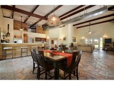 Horse barns with living quarters horse barns with living for Open floor plan metal homes