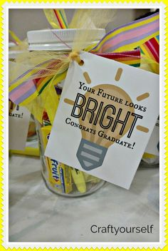 """""""Your future looks bright"""" Simple Graduation gift idea – Craft - therezepte sites High School Graduation Gifts, Graduation Presents, Graduation Diy, College Gifts, Grad Gifts, Teacher Gifts, Graduation Gift Baskets, School Gifts, School Days"""