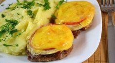 Echipa Bucătarul.tv vă oferă o rețetă deosebită de pârjoale cu legume și cașcaval la cuptor. Pârjoalele preparate după această rețetă sunt foarte gustoase, aromate și savuroase. Se prepară extrem de simplu și rapid, iar rezultatul este absolut delicios. Pârjoalele sunt foarte suculente și apetisante, se servesc alături de o garnitură de cartofi sau orez. Echipa …