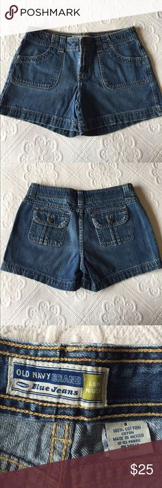 "Old Navy - Low Waist Denim Shorts Old Navy - Low Waist Denim Shorts / Inseam measures 4.5"" Old Navy Shorts Jean Shorts"