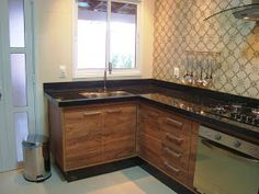 A casa da Mi: A cozinha completa! Kitchen Cabinets, Minimalist, House Design, Home Decor, Furniture Ideas, Houses, New Kitchen, Future House, Apartments