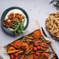 DIY gluten-free flatbreads with tender pulled pork for the perfect Thursday night dinner vibes! Gluten Free Flatbread, Carrot Greens, Thursday Night, Roasted Vegetables, Pulled Pork, Tray Bakes, Easy Meals, Stuffed Peppers