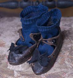 Jne #8 Antique French Doll Shoes and Socks, Jumeau Steiner Bebe doll600 x 645 | 97.1KB | www.rubylane.com