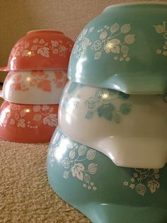 Pyrex Gooseberrys - Pink and Turquoise