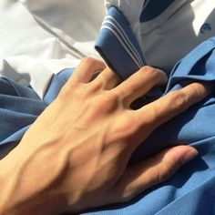 Pin on Veiny arms Bad Boy Aesthetic, Aesthetic Body, Pretty Hands, Beautiful Hands, Arm Veins, Hand Reference, Poses References, Body Photography, Male Hands