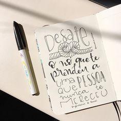 """""""Ando só Pois só eu sei Pra onde ir Por onde andei Ando só Nem sei por que Não me pergunte O que eu não sei"""" 🎶 @1gessinger  _ #gessinger #humbertogessinger #hg #musica #gessingeriando #andosó #engdohawaii #amorderabisco #desateonó #mereceu #lettering #handlettering #nankin #black #nó #sketchbook #art #instart #pentel #pentelstylo"""