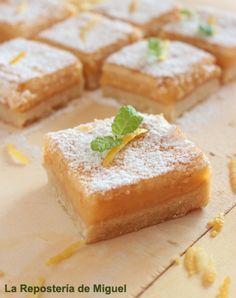 Lemon Bars o cortadillos de limón, una auténtica maravilla que combina a la perfección sabores y texturas.Una base o galleta crujiente y dulce, que contr