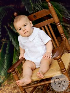 Adorable baby guayabera romper in linen is just perfect for any occasion. Baptism Outfit, Baby Boy Romper, Little People, Christening, Cute Babies, Infant, Rompers, Boys, Baptism Ideas