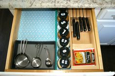 Use dowels & labels to organize your spices!