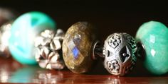 Trollbeads labradorite ... brown with a blue flash! wow!