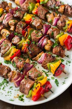 Steak kebabs are the perfect dinner for any spring and summer meal, especially when they are marinated for hours in the most delicious marinade and paired with tons of colorful veggies like so! Grilled Steak Recipes, Grilling Recipes, Beef Recipes, Cooking Recipes, Healthy Recipes, Cooking Ideas, Basic Cooking, Cheap Recipes, Food Platters