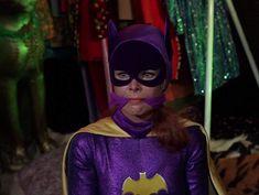 Batman Y Robin, Batman 1966, Batman 2, Batman Comics, Dc Comics, Batgirl Pictures, Posture Collar, Yvonne Craig, Female Cop