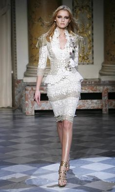 """This beautiful collection, entitled """"Officers Muse"""" shown at Paris Fashion Week combines beautiful dresses, lace and military styles to create a thoroughly gorgeous collection. Haute Couture Style, Couture Mode, Couture Fashion, Runway Fashion, Womens Fashion, Paris Fashion, Love Fashion, High Fashion, Fashion Show"""