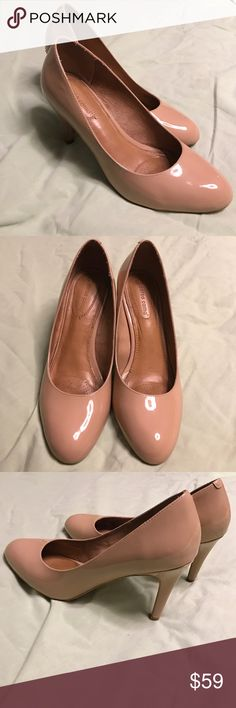 "Corso Como Nude Pump / Heel! Style name is ""Del"" leather upper and leather sole. Shoes are in excellent condition, but there is some scuffing around the right heel. Excellent shoe and deal! Corso Como Shoes Heels"