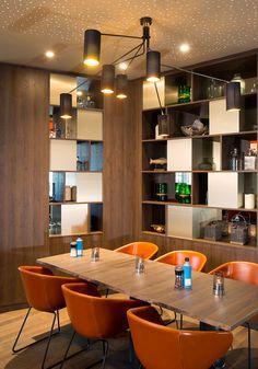 Restaurant_Tischgruppe GOP Bonn Leander Restaurant Design by Kitzig Interior Design
