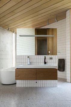 Bathroom of oak vagane-viste.no