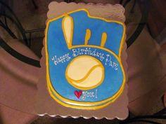 Milwaukee Brewers Cake    Retro Glove Baseball