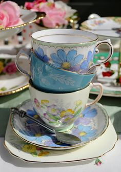 Beautiful Vintage Tea Party Teacups by cake-stand-heaven, via Flickr