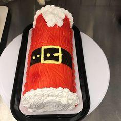 Chocolate Yule Log Recipe, Chocolate Log, Chocolate Roll Cake, Christmas Cake Designs, Christmas Sweets, Christmas Baking, Christmas Cakes, Holiday Cakes, Holiday Desserts