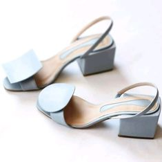 Shoes Editorial, Designer Shoes On Sale, Mature Women Fashion, Green Shoes, Strap Heels, Beautiful Shoes, Summer Shoes, Me Too Shoes, Fashion Shoes