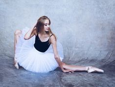 The uncontrollable urge to dance All Things Beauty, Photo Art, Ballet Skirt, Skirts, Instagram, Fashion, Dance, Moda, Skirt