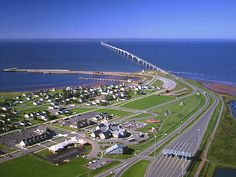 Confederation Bridge, joins PEI and NB
