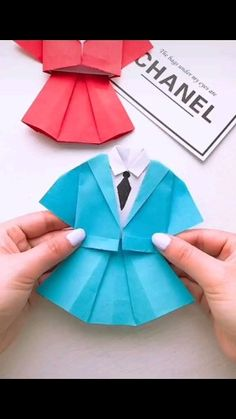 Pin by ? on Paper Crafts Ideas [Video] Pin by ? on Paper Crafts Ideas [Video] Paper Flowers Craft, Paper Crafts Origami, Paper Crafts For Kids, Flower Crafts, Diy Paper, Origami Flowers, Diy Crafts Hacks, Diy Crafts For Gifts, Diy Arts And Crafts