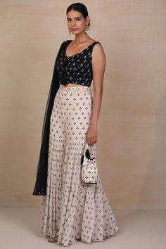 Set Saree, Saree Gown, Lehenga Saree, Anarkali, Indian Fashion Designers, Indian Designer Outfits, Designer Dresses, Indian Attire, Indian Wear
