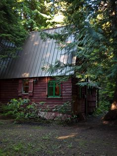 Art, Architecture & Culture - Beautiful House İn The Woods Cozy Cabin, Cozy Cottage, Red Cottage, Rustic Cottage, Little Cabin, Little Houses, Small Houses, Cabin Homes, Log Homes