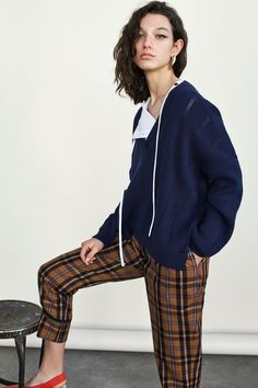 See the full Pre-Fall 2018 collection from Derek Lam 10 Crosby.