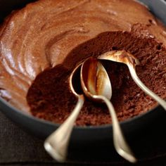 Vegan chocolate mousse - the fastest Vegane Mousse au Chocolat – das schnellste Rezept Chocolate mousse with two ingredients - No Cook Desserts, Delicious Desserts, Dessert Recipes, Yummy Food, Vegan Chocolate Mousse, Mousse Dessert, Dessert Parfait, Oreo Dessert, Vegan Sweets