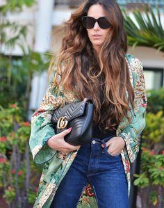 kimono: Zara ( this season ), sandals: last season, bag: Gucci ( this season ), sunnies: Celine, jeans: Zara ( this season ) . Kimono Outfit, Kimono Fashion, Women's Fashion, Kimono Style, Celine, Moda Kimono, Dress Over Pants, Green Kimono, Zara Outfit