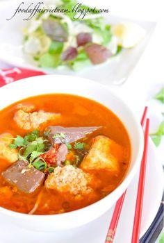 Food Affair Vietnam: Bun rieu cua (tomato and crab noodle soup)