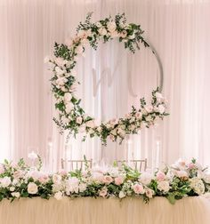 Ideas wedding backdrop head table for 2019 reception backdrop bridal table Head Table Wedding Decorations, Wedding Reception Backdrop, Wedding Table Flowers, Wedding Centerpieces, Wedding Backdrops, Head Table Decor, Tall Centerpiece, Cake Tables For Weddings, Wedding Head Tables