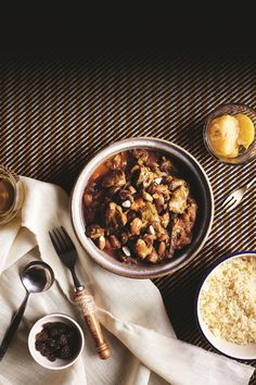 Goat tagine with almonds