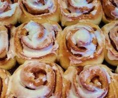 Zimtschnecken (Cinnamon Rolls)