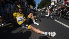 TOUR DE FRANCE - Comme dans toute course cycliste, la chute fait partie de la vie du peloton. Particulièrement sur le Tour, où la nervosité des coureurs rend délicate la gestion de la course. Sur le Tour, d'une chute à l'autre, le peloton est sur les...