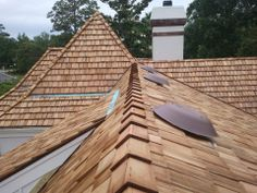 http://www.harborroofingandsiding.com - If you're looking for a specialty roof such as wood shake, Spanish tile, or slate you want to be sure you choose an expert to install it. Harbor Roofing & Siding has experience with each of these special roofing materials.