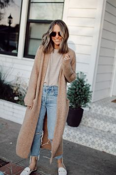 Everyday Style 4 Outfits From February s Capsule Wardrobe winterootd outfitideas style Mode Outfits, Fall Outfits, Fashion Outfits, Womens Fashion, Teen Fashion, Fashion Tips, Petite Fashion, Ladies Fashion, Preppy Fashion