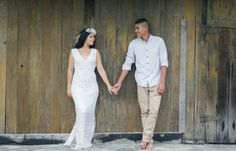 Meu pré-wedding {3 dias} 14 Pre Wedding Poses, Wedding Shoot, Couple Shots, Couple Posing, Engagement Shots, Engagement Pictures, Prom Photos, Couple Portraits, Uber