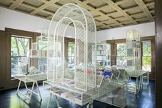 GRAHAM BOOKSHOP - ania jaworska | Expanded metal mesh is used throughout the installation, which contrasts with the bold forms, providing translucence and diffusion of light.