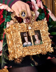 Dolce & Gabbana F/W Barocco Collection Couture Fashion, Fashion Bags, Fashion Accessories, Fashion Fashion, Fashion Purses, Classic Fashion, Bohemian Fashion, Fashion Styles, Classic Style
