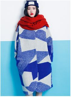Winter is coming but it doesn't need to be drab. Love this cosy red scarf and blue pattrrened cocoon coat. Mod Fashion, Fashion Mode, Denim Fashion, Womens Fashion, Fashion Trends, Mode Style, Style Me, Mode Lookbook, Fru Fru