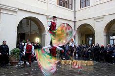 Musici e sbandieratori al Castello Bevilacqua