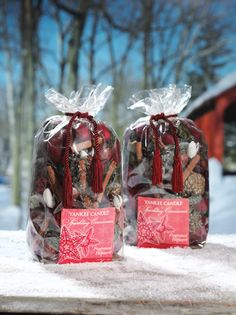 Yankee Candle Christmas Heaven! Sparkling Cinnamon Pot Pourri is the perfect winter time fragrance for your home. In store and online now at www.YankeeAromaDirect.co.uk