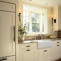 Merveilleux Traditional Kitchen Window Over Sink Design, Pictures, Remodel, Decor And  Ideas   Page