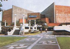 The QUAD Theaters & shopping arcade with the Glorietta Stage at the front lawn. The stage was served as activity center of Makati Commercial Center. Filipino Architecture, Philippine Architecture, Philippines Culture, Manila Philippines, Retro Pi, Commercial Center, Makati City, Filipiniana, Brutalist