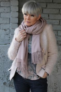 Mathildes verden: Velkommen til ny butikk Boho Fashion Over 40, Over 50 Womens Fashion, Fashion Over 50, Mature Fashion, 50 Style, Autumn Winter Fashion, Fashion Outfits, Fashion Styles, Style Inspiration