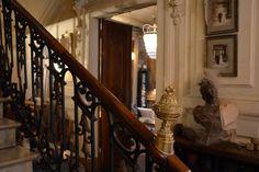 IMAGES / créateur de luminaires et objets de décoration à Avignon. Fabrication de lustres, lampes et objets de décoration en fil de fer et cristal